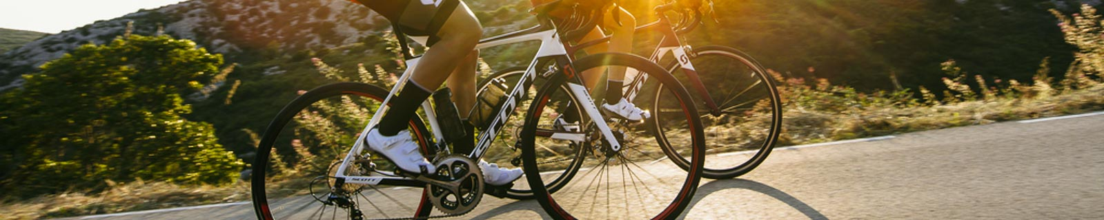 Men's racing bikes made of carbon and aluminium