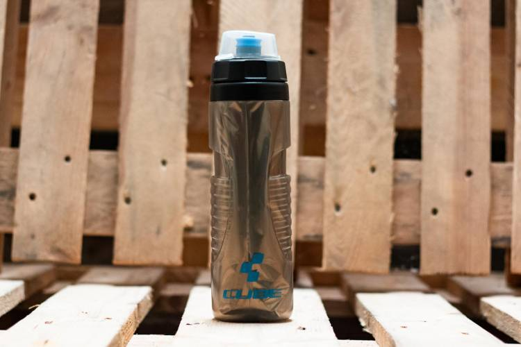 Cube Drinking Bottle Thermo 0,6l black n grey n blue